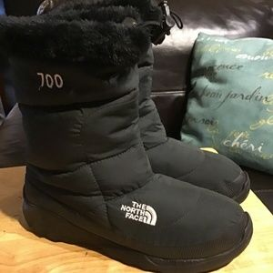 THE NORTH FACE BOOTS w/ DOWN LINING 700 SIZE 8